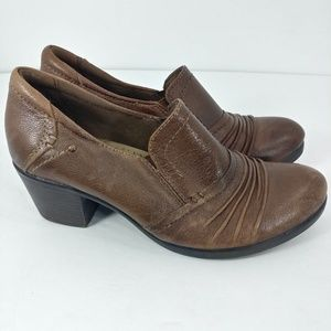 Earth origins booties size 7 style derby brown